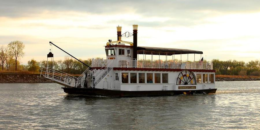 Lewis & Clark Riverboat cruise